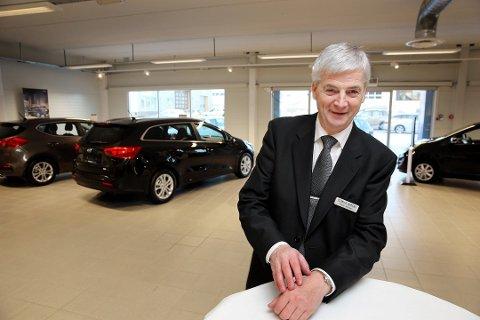 TILFREDS: Teknisk Bureau i Tromsø fortsetter som Peugeot-forhandler, og toppsjefen i selskapet; Oddvar Antonsen, er tilfreds. Foto: Yngve Olsen Sæbbe