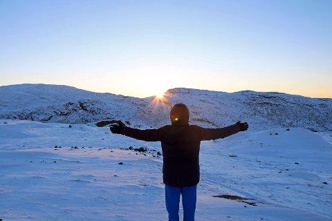 """LYSERE TIDER: Solen """"snur"""" og dagene blir lengre. Ennå er det ei stund til man ser selve solen i Ofoten."""
