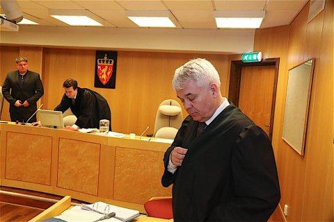 Advokat  of forsvarer Thomas Randby vil i morgen sammen med politiadvokat Marie Lygre ha en utspørring av tiltalte i rettsaken.