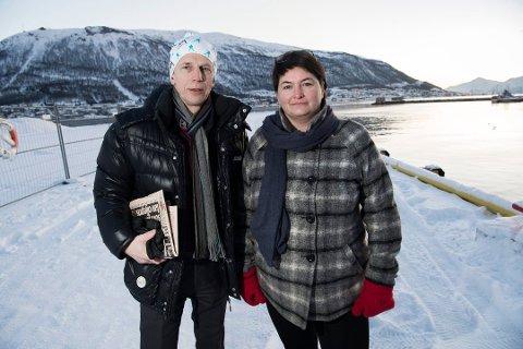 FORTVILET: Ordfører Mona Pedersen og rådmann jan Hugo Sørensen i Karlsøy kommune, er fortvilet etter at tingretten slo fast at reguleringen av Langsundforbindelsen er ugyldig på grunn av saksbehandlingsfeil.  (Foto: Torgrim Rath Olsen)