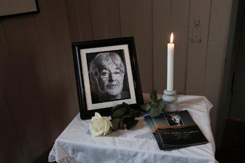 EN BAUTA: Ivan Kristoffersen gikk bort 26. februar. Han minnes som et stort samfunnsmenneske, men også en kjærlig familiemann. Torsdag var det begravelse i Elverhøy kirke.
