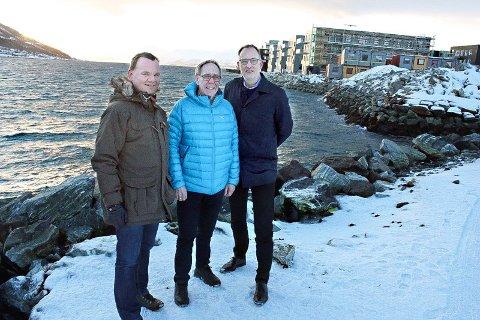STORT PROSJEKT: Partnerne Stig Tore Johnsen i Firkanten Eiendom (Peab), Kjell Nilsen i Nord-Tre AS og Morten Walthinsen i Tromsø Eiendomsutvikling AS, ansetter egen megler for å selge de 300 boligene som skal bygges på Strandkanten.