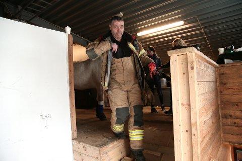 IKKE HVERDAGSKOST: Fred Johnsen, vaktsjef i Brann og redning, fikk en uvanlig dag på jobben mandag.
