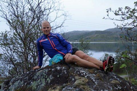 Håkon Mikalsen har takket ja til en jobb i Statoil. Dermed reduserer han satsingen på langrenn.