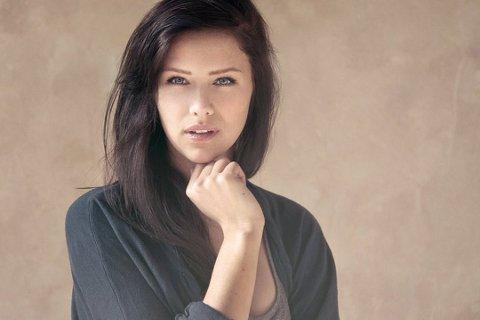 NY LÅT: Tromsø-jenta Dagny Norvoll Sandvik har kommet med en ny hit i «Fool's Gold». I løpet av sommeren spiller hun flere konserter i Nord-Norge, først på Træna.