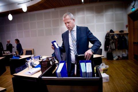 SKIKLUBBLEDER: Lars Fause slik man ofte ser ham, i en rettssal. Nå er også leder for Tromsø Skiklubb, noe ganske annet enn jobben som førstestatsadvokat.