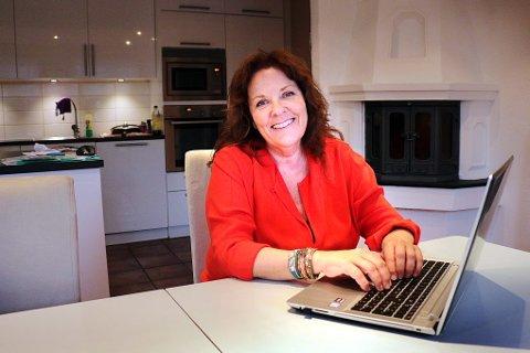 BLOGGER: Solveig Worum har opprettet egen blogg for å fortelle om livet med kreftdiagnosen. - Jeg har alltid vært åpen. Kanskje for åpen, vil noen si, humrer hun.