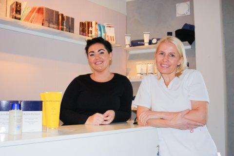 FLYTTER:  Marianne Elvevoll - innehaver av Mediva Tromsø - flytter inn i nye lokaler i Grønnegata 10 denne måneden. Med seg får hun Elisabeth Kristiansen (t.v), Liss Marlen Jensen og Linda Blikfeldt, som alle holder til  på Promenaden Velvære.