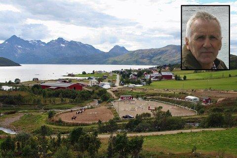 SELGER LIVSVERKET: Jan Storjord (innfelt) er født og oppvokst i Skulsfjord på Kvaløya. Nå selger han livsverket.