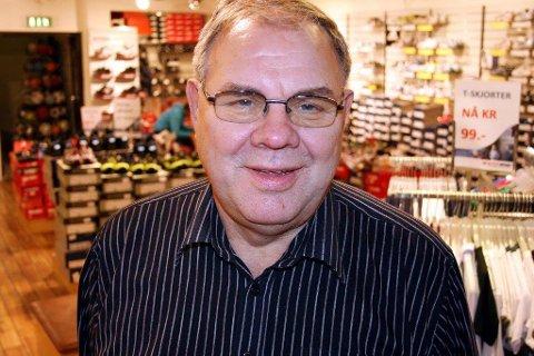 DREV BUTIKK: Asle Myrvoll drev Sporthuset i Tromsø. Her er han avbildet i butikklokalene i 2012. Arkivfoto: Merethe Ekanger