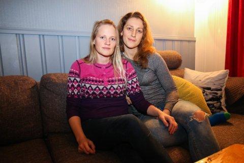 GIFTEKLAR: Elin Kviteberg (36) og Mari Grønlund (30) vil gifte seg i Lyngen i sommer. Der sier soknepresten nei til å vie dem, men det stopper ikke paret bryllupsplaner. Nå blir det kirkens oppgave å sørge for prest.
