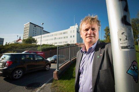 IKKE TILLIT: Ivar B. Prestbakmo (Sp), fylkesråd for samferdsel og miljø i Troms, går hardt ut mot Helse Nord-direktørens forslag om å etablere PCI-tilbud i Bodø.