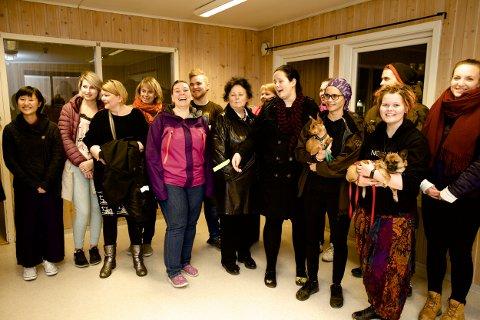 MIDLERTIDIG: Dyrebeskyttelsens medlemmer var glade da de kunne flytte inn i midlertidige lokaler på Håpet etter brannen i fjor høst. Nå håper de på forlenget leie inntil deres eget nybygg står ferdig i oktober.