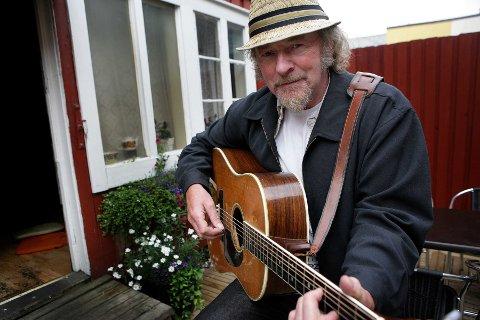 Den kjente visesangeren Jan Arvid Johansen døde i dag etter ett års sykdom. Foto: Yngve Olsen Sæbbe