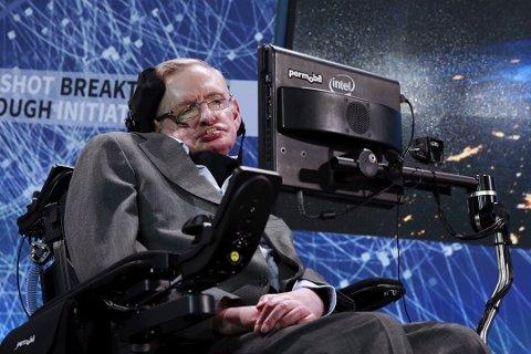 En utenlandsk kvinne bosatt i Florø dømt for drapstrusler mot fysiker Stephen Hawking (74).