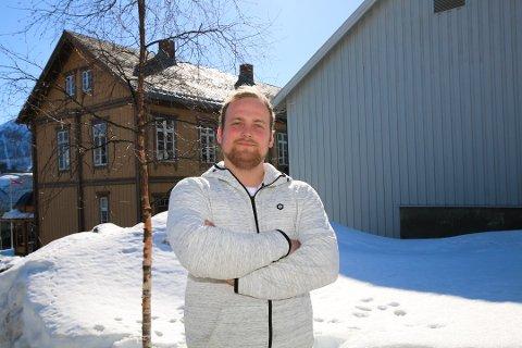 FORMELT REGISTRERT: Håkon Haug Enga er leder i Norges Snøscooterforening som nå er registrert i Brønnøysundregisteret. Nå skal jobben med å få etablert scooterløyper intensiveres. Foto: Linn Bertheussen