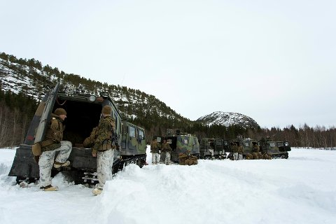 VINTERTRENING: Amerikanske marineinfanterister på vintertrening under øvelse Cold Response i 2016. Denne vinteren skal US Marine Corps øve i Indre Troms.