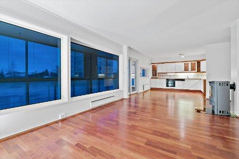 LANGT OVER TAKST: Da budrunden var over, var denne store tre-romsleiligheten solgt 700 000 kroner over takst.