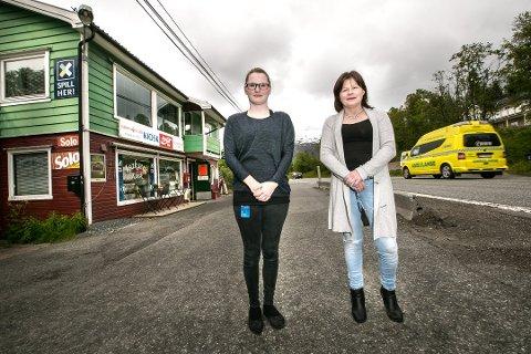 MOR OG DATTER: Datteren Cathrine (24) jobber på kiosken, som eies av mamma Heidi Isaksen (49). Arkivfoto: Torgrim Rath Olsen