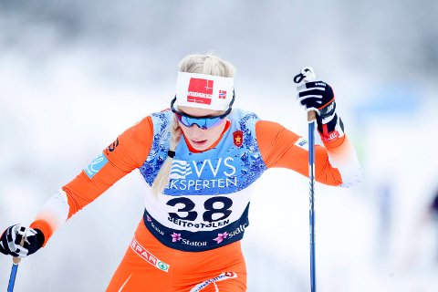 Beitostølen  20161119. Beitosprinten 2016 . Lovise Heimdal fra Team Veidekke Nord-Norge på sin 10 km på 10 km fri Foto: Terje Pedersen / NTB scanpix