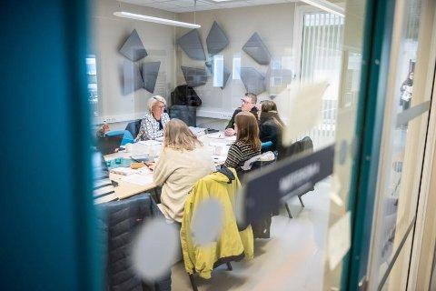 Kontrollutvalget i Lenvik vedtok rett før påske å granske forholdene. Saken er satt opp på et ekstraordinært møte 2. mai.
