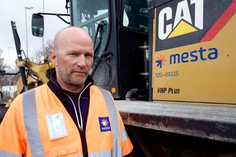 MISTER JOBBEN: 18 mister jobben når Mesta legger ned i Nord-Troms til høsten. Jørn Arne Olaussen sier det er tungt for mange av de som mister jobben.