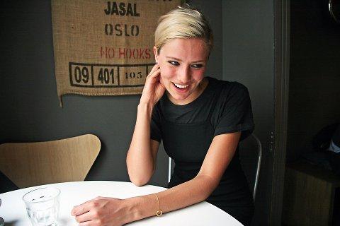 TJENER ENDELIG PENGER: Dagny Norvoll Sandvik (27) har jobbet som musiker i flere år. Endelig tjener hun også penger på popkarrieren.