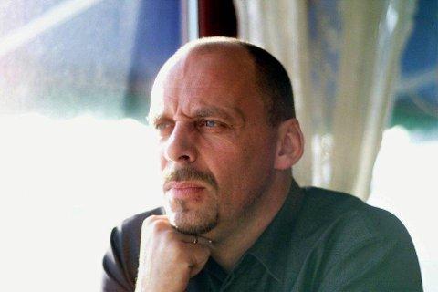 Rune Rudberg med band spiller på Dans i Karlsøy.