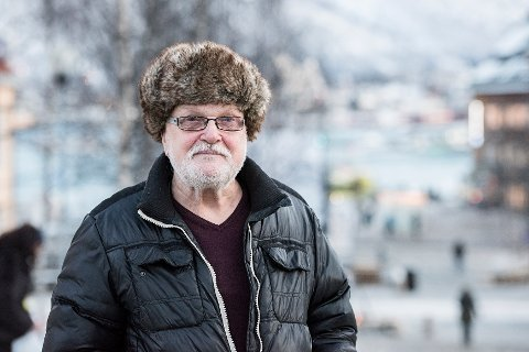 SMERTER: Kåre Nilsen opplevde store smerter og lekkasjer av båpde blod og urin etter prostataoperasjon ved UNN Tromsø. Redningen ble behandling ved andre sykehus, som 77-åringen mener han burde ha fått tilbud om.