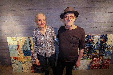 STYRKER HVERANDRE: Inger Anne Nyaas og Thor Erdahl blander seg ikke i hverandres kunst. Allikevel reiser paret alltid sammen når kunsten skal stilles ut.