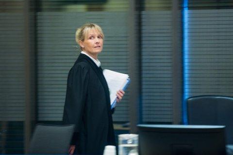 DOMMER: Inger Bonnie Gjerde var dommer i saken der en 62 år gammel mann nylig ble dømt til fengsel i fem måneder. Mannen førte regnskaper for to selskaper tilknyttet en økokrim-dømt mann fra Tromsø. Her er Gjerde avbildet i forbindele med en annen rettssak.
