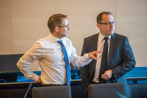 TILTALE: Statsadvokat Tor Børge Nordmo (til høyre) har tatt ut sedelighetstiltalen mot den mindreårige gutten. Her er Nordmo sammen med Erik Ringberg i en annen sak.