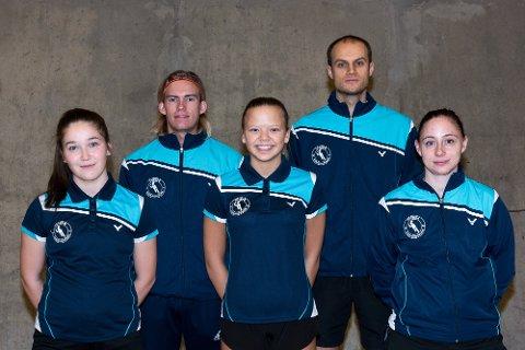 BADMINTONTROPP: Her er Tromsø Badmintonklubbs 1.-divisjonstropp. Fra venstre: Eva Forsaa Åbotsvik, Lasse Nyheim, Henriette Ellingsen, Gintar Rundelis og Karoline Lerengen.