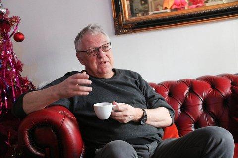 SOLGT MANGE BILLETTER: De Usynlige har premiere på Hålogaland Teater 22. november. Allerede er to tredjedeler av billettene solgt. Forfatter av boka Roy Jacobsen var med da HT lanserte stykket på Lugar 34 i mars.