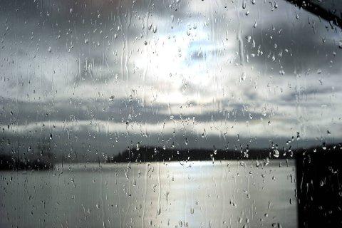SOL, SÅ REGN: Ifølge Meteorologisk institutt gjør solen et godt timet comeback til helgen.