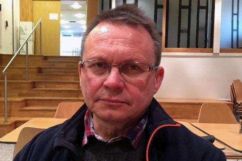 SKEPTISK: Knut Bjørklund i Troms Idrettskrets håper og tror skistyret mandag 19. november følger arbeidsgruppas innstilling og velger Narvik som norsk søkerby til alpin-VM i 2027, men han er overbevist om at det jobbes aktivt for å påvirke skistyret til heller å velge Hafjell/Kvitfjell.