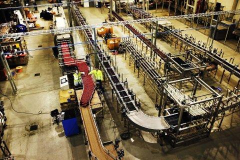 FÅR REFS: Avløpsvann fra Macks bryggeri i Balsfjord sendes normalt til et eget renseanlegg. Siden i sommer har det vært ute av drift. Nå reagerer Fylkesmannen.