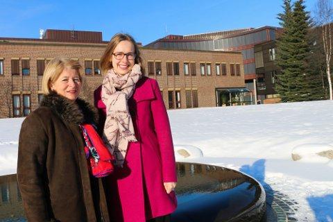 FORNØYD: Rektor Anne Husebekk er fornøyd med SAKS-midlene fra departementet. Forsknings- og høyere utdanningsminister Iselin Nybø hadde med seg 23 friske millioner til Tromsø.