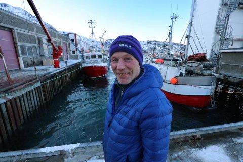 MEVIND NÅ. Hallvard Johansen hadde motvind i fjor høst, men nå er det medvind med god aktivitet på bruket.