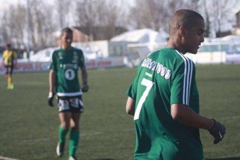 Emil Konradsen Ceide har byttet ut den grønne Finnsnesdrakten med Rosenborgdrakten