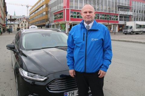 BEKYMRET: Leder i Norges Taxiforbund avdeling Troms, Åsmund Karlsen, er bekymret for næringas vilkår, særlig i distriktene i Troms.