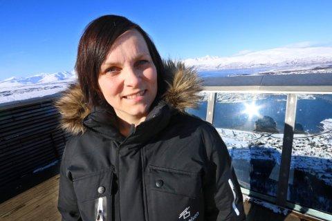 NY JOBB: Maria Kristiansen har tidligere vært daglig leder på Fjellheisen, men nå bytter hun jobb, og blir den nye daglige lederen på Tromsø Lodge & Camping.