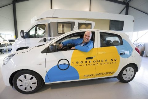 UTLEIEKONGE: Tom Henrik Johansen i Nothern Miles har både småbiler og bobiler i sin portefølje. I Tromsø satser de på bobilutleie som en del av Touring Cars - som er Norges største utleiekjede innen bobil.