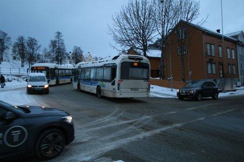 BEDRE FREMKOMMELIGHET: Prøveordningen med stenging av Fr. Langes gate skal bedre fremkommeligheten for bussene i Tromsø. Akrivfoto: Anders Rapp