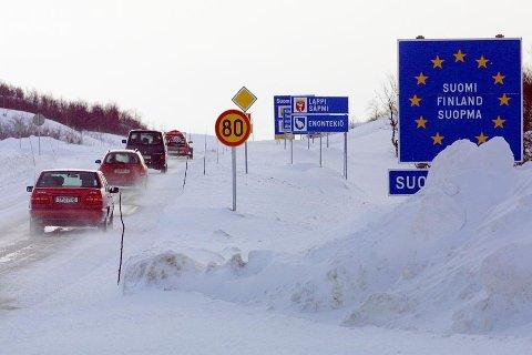MANGLER NAVN: Mangelen av et offisielt samisk navn for nasjonen Norge har forsinket jobben med å få på plass samiske skilt langs grensa.