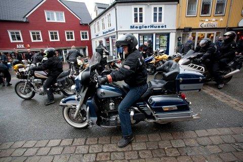 PÅ TO HJUL: Lørdag arrangeres Motorsykkelens dag i Tromsø. MC-kortesjen gjennom byen har blitt en årlid tradisjon.