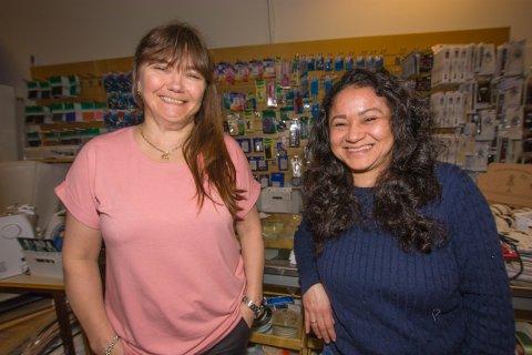 UTVIDER: Lise Olsen og Ivinia Johnsen jobber på Symaskin og Søm, som nå utvider til en ny etasje på Pyramiden.