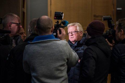 SNART I MÅL: Advokat Ulf Hansen er forsvarer for den sedelighetssiktede samfunnstoppen. Hans klient skal nå i det han omtaler som et siste avhør før sommerferien. Her er Hansen avbildet i forbindelse med et fengslingsmøte i saken.