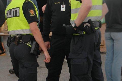 KONTROLL PÅ SØRØYA: Et fåtall personer måtte svare for seg under festivalen. Illustrasjonsfoto: Kristian Østvik