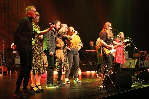 Solnatt var en av urpremierene under årets festspill - releasekonserten til albumet som samler nyskrevne, nordnorske vuggesanger.